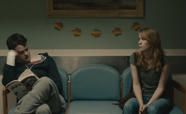Kristen Wiig and Bill Hader dance to Starship in the Skeleton Twins trailer