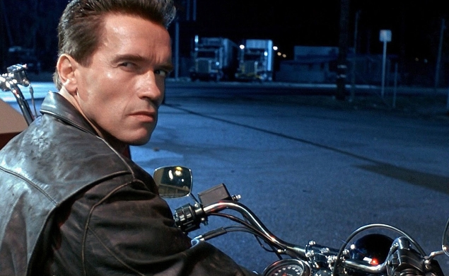 Coolness: A T2 trailer that tries to un-spoil Arnold Schwarzenegger's role in the film
