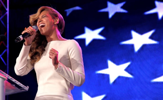 A director is born? Bradley Cooper wants to direct Beyonce in new A Star Is Born