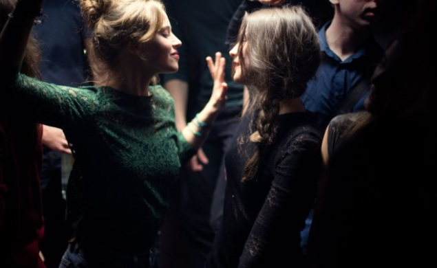 French teenagers are terrifying in the trailer for Mélanie Laurent's Breathe
