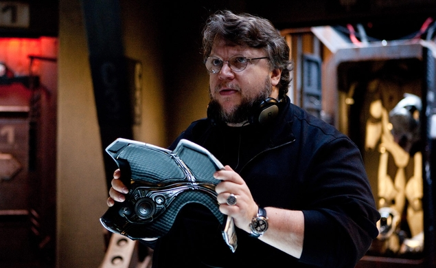 Coolness: Guillermo del Toro, Gundam geek