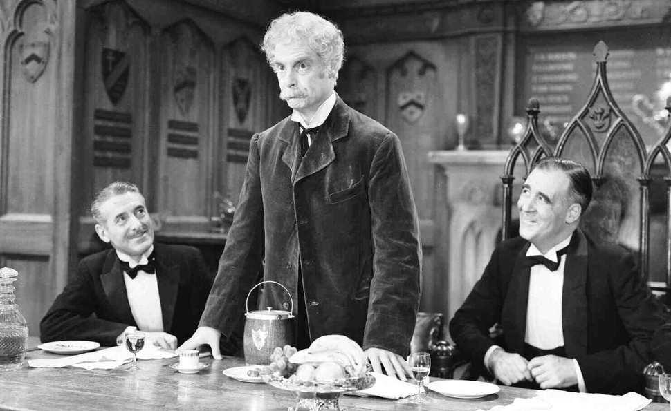 Robert Donat won an Oscar by growing old ungracefully