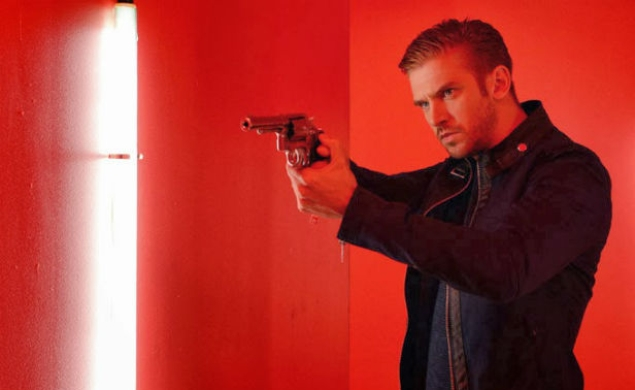 Dan Stevens is a beautiful badass in The Guest's teaser trailer