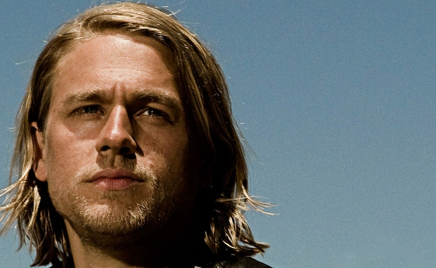 Guy Ritchie coronates Charlie Hunnam as his King Arthur