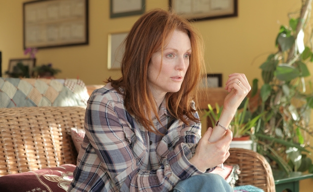 Julianne Moore falls apart before your very eyes in the Still Alice trailer