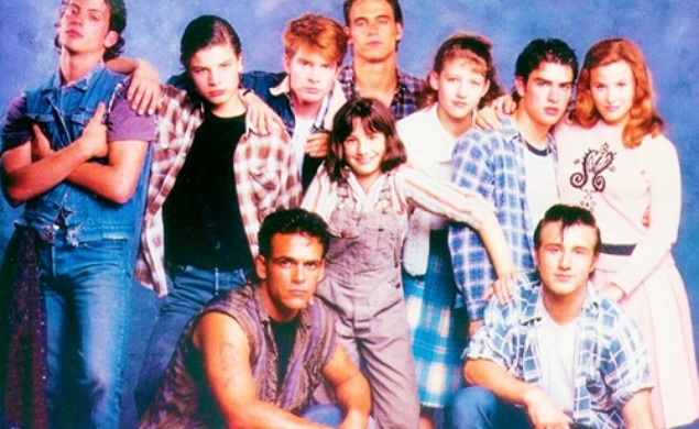 an analysis of characters in the outsiders by se hinton The outsiders by se hinton  match the character descriptions with the characters found in the outsiders 1 ponyboy curtis a a member of the greasers who had.