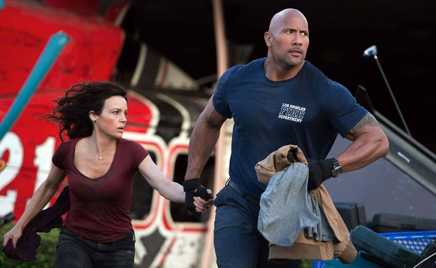 The Rock puts a fault line right through Pitch Perfect 2